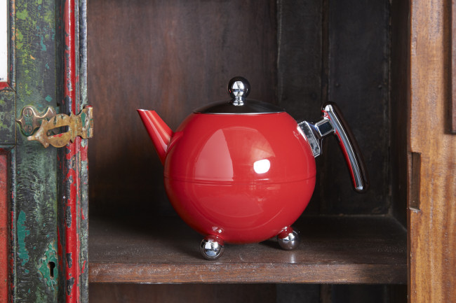 Theepot Bella Ronde 1,2L, Carmine Red, chroom beslag