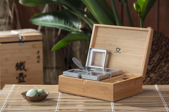 Theedoos naturel bamboe +4 blikjes +lepel